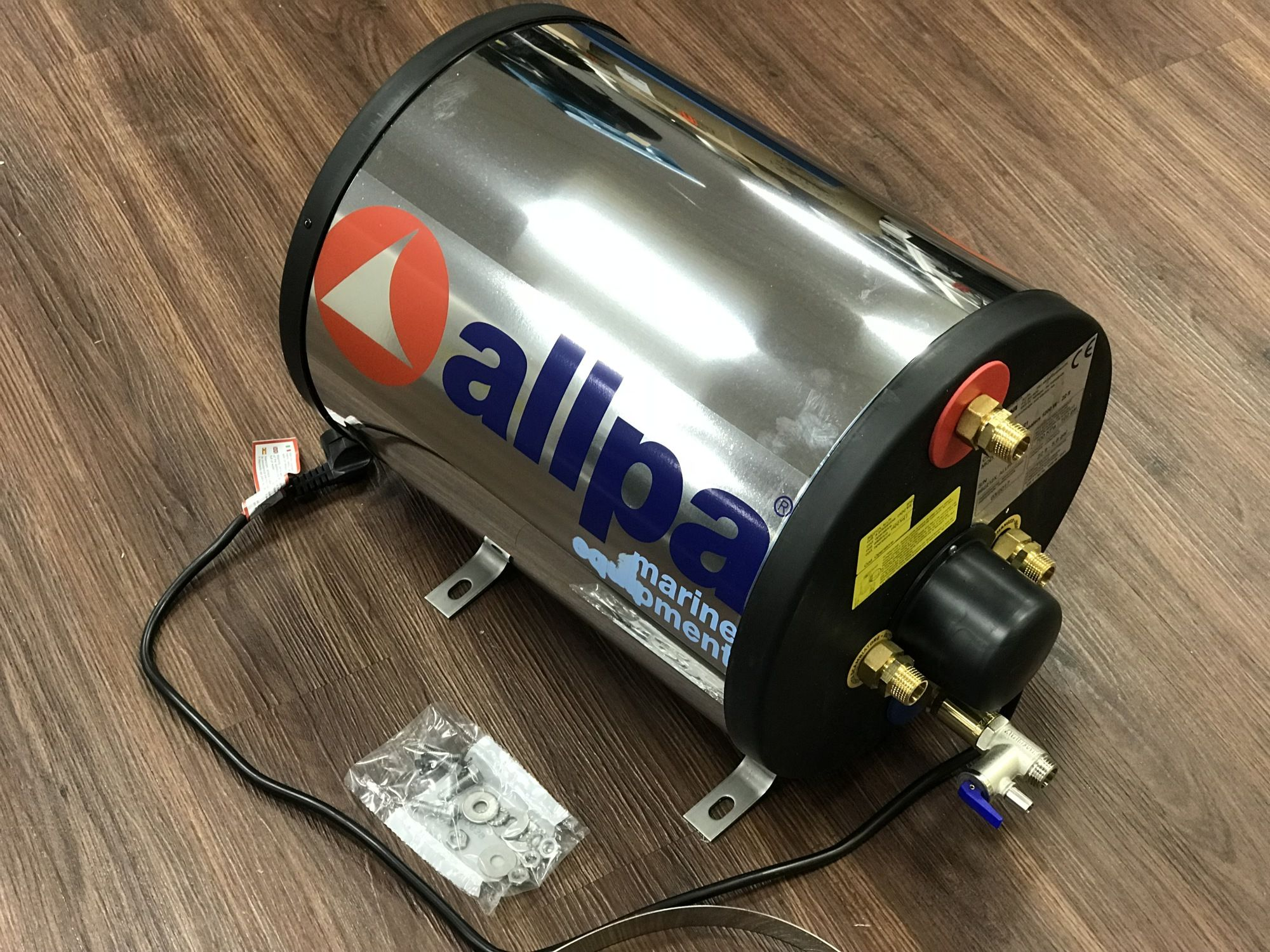 Allpa VA Heißwasserboiler 22 Liter Motorwärme und Heizspirale 230V 800 Watt